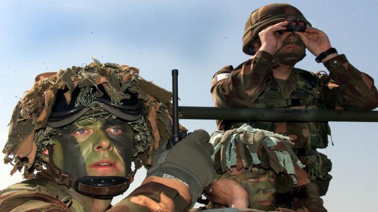 الجيش التشيكي يعرض على هنغاريا المساعدة في حماية حدود