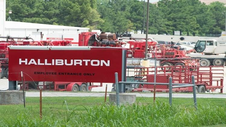 شركة أمريكية تسرح موظفيها بسبب هبوط أسعار النفط