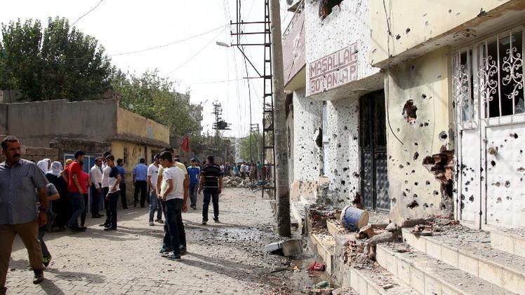 مقتل جنديين و34 مسلحا كرديا في جنوب شرق تركيا