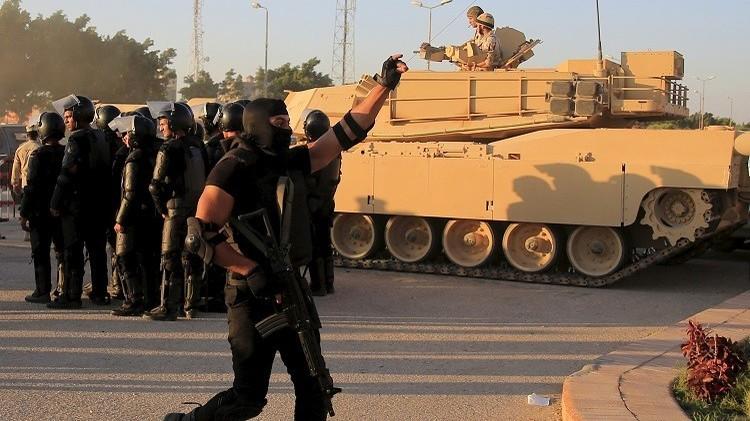 مصر.. مقتل 9 مسلحين وإصابة 3 أمنيين وجنديين شمال القاهرة