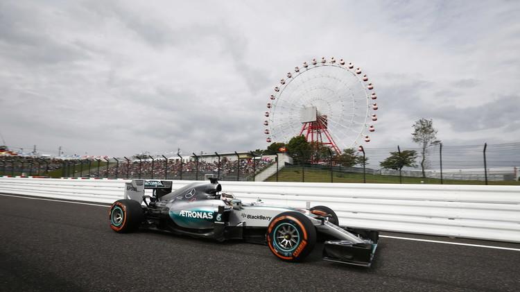هاميلتون يفوز بجائزة اليابان للفورمولا 1 ويعادل رقم سينا (صور)