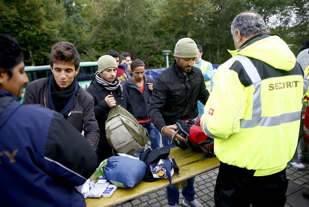 الاستخبارات الألمانية تحذر من استهداف اللاجئين