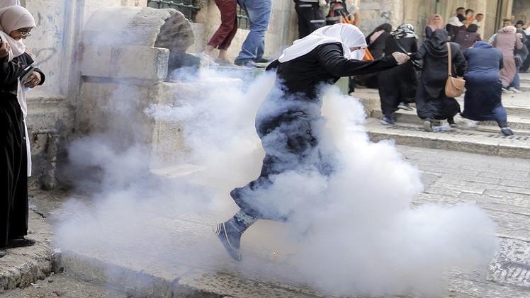 تجدد المواجهات بين قوات الأمن الإسرائيلية والفلسطنيين في المسجد الأقصى (فيديو)