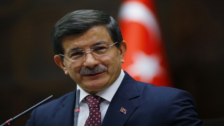 داود أوغلو مخالفا أردوغان: لا مكان للأسد في العملية الانتقالية بسوريا