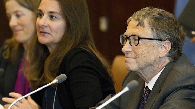 بيل غيتس وزوكربيرج يدعمان جهود تعميم الانترنت في جميع أنحاء العالم بحلول 2020