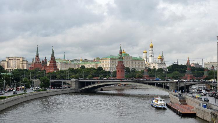 الكرملين: واشنطن مستعدة إلى حد ما للتعاون مع روسيا في حل الأزمة السورية