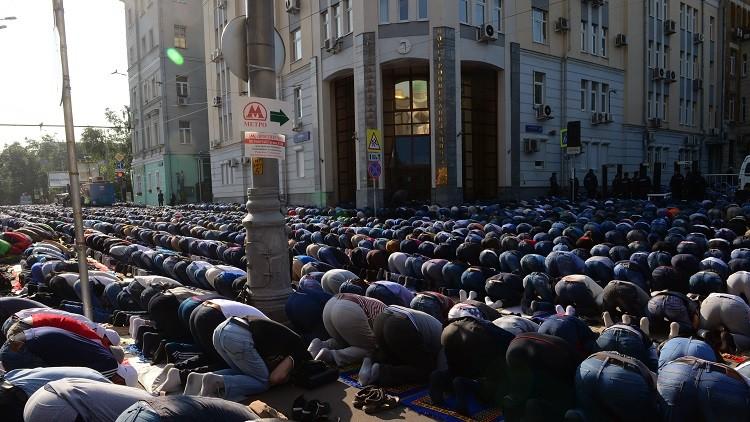 فيديو.. جامع موسكو عشية الافتتاح في يوم عرفة