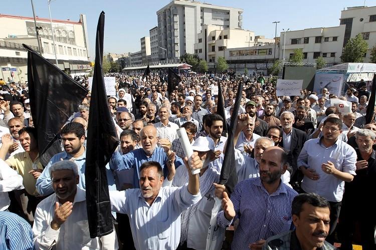 احتجاجات بإيران تنديدا بمقتل الحجاج وأردوغان يرفض تحميل السعودية المسؤولية