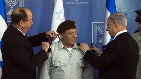 نتنياهو خلال حفل تنصيب رئيس هيئة الأركان الإسرائيلية غادي آيزنكوت - صورة أرشيفية