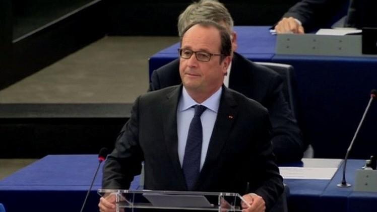 هولاند  يدعو الدول الأوروبية وأمريكا وروسيا وإيران إلى إيجاد مخرج سياسي من الأزمة السورية