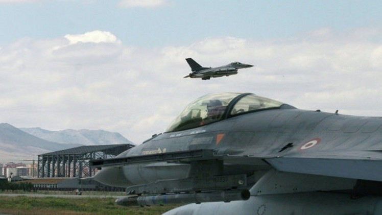 البنتاغون: طائرات تابعة للتحالف تغير مسارها لتجنب مواجهة طائرة روسية