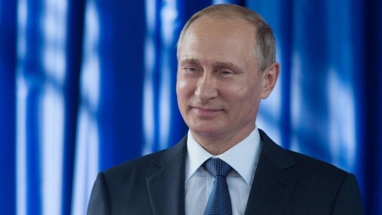 بوتين يتلقى التهاني والهدايا في عيد ميلاده الـ 63