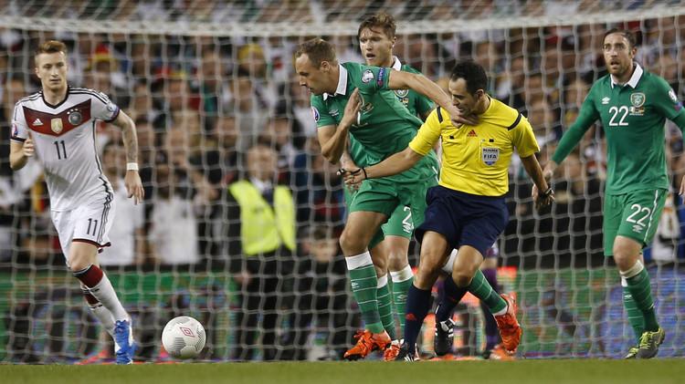 إيرلندا تسقط ألمانيا وليفاندوفسكي ينقذ بولندا من الهزيمة في تصفيات