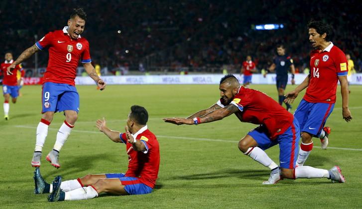 فيديو .. تشيلي تهزم البرازيل بثنائية في تصفيات مونديال 2018