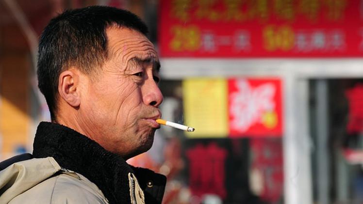 الصين.. التدخين يقتل شابا من كل 3 شباب والبلد يواجه خطر