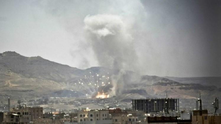 12 غارة جوية ضد تجمعات الحوثيين بصنعاء