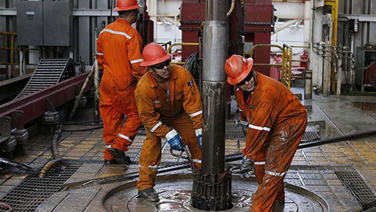 صعود أسعار النفط بعد تقليص أعمال الحفر في الولايات المتحدة