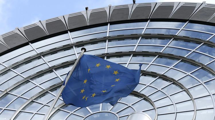 الاتحاد الأوروبي يدعو روسيا إلى الكف عن استهداف