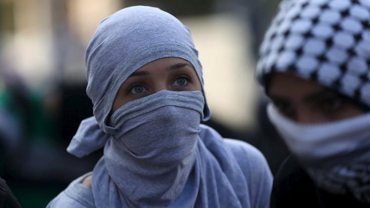 الفلسطينيون يتحدون القتل بدم بارد ويرسمون حدود وطنهم