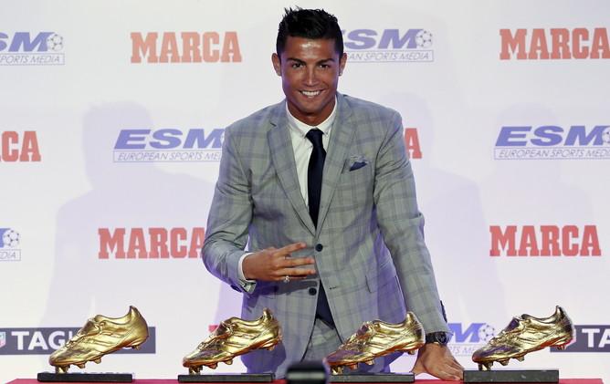 رونالدو يفوز بجائزة الحذاء الذهبي للمرة الرابعة .. (فيديو)
