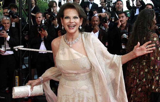 مهرجان القاهرة السينمائي الدولي يمنح جائزته التقديرية للفنانة الإيطالية كلوديا كاردينالي