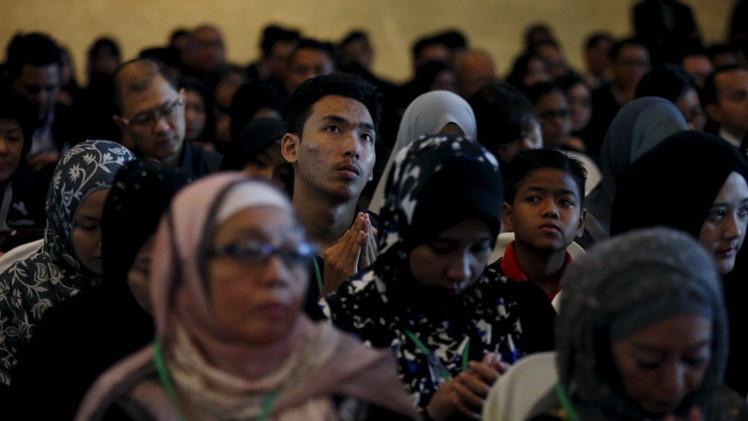 أهالي ماليزيين قتلوا في كارثة