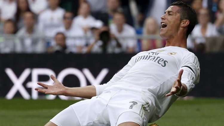 رونالدو يتخطى راؤول ويصبح الهداف التاريخي للريال (فيديو)