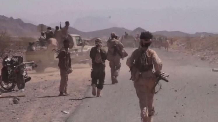 مصرع 30 مقاتلا مواليا للحكومة اليمنية في غارة