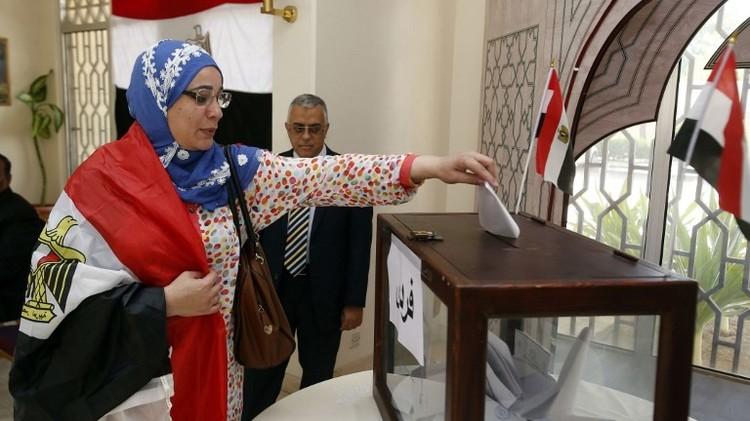 انطلاق الانتخابات البرلمانية في مصر بحماية الجيش