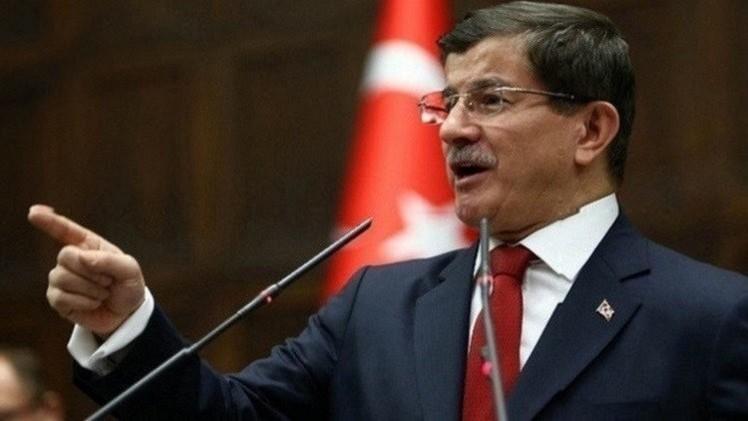 داود أوغلو: تركيا ستسقط أي طائرات تنتهك مجالها الجوي