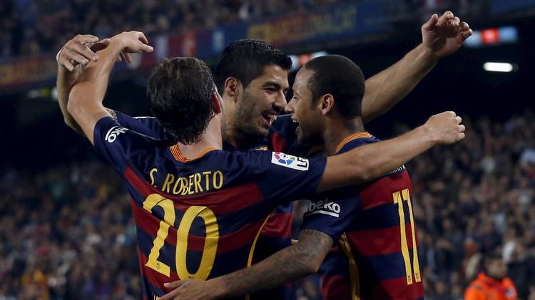الدوري الإسباني .. برشلونة يكتسح فاليكانو بخماسية ويزاحم الريال على القمة (فيديو)