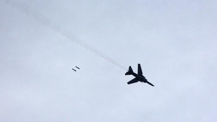 الطيران السوري يقصف رتلا ضخما لـ