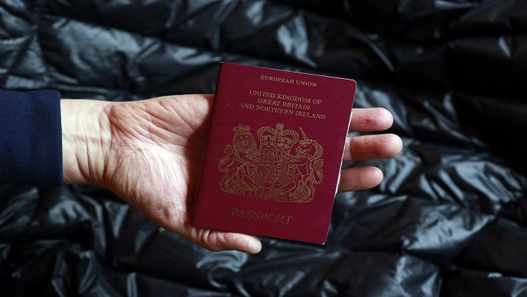 الحكومة البريطانية تقيد حركة المراهقين لمنعهم من السعي إلى