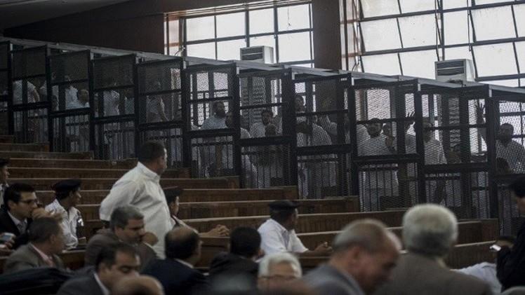 النيابة المصرية تجدد حبس 23 من جماعة الإخوان المحظورة