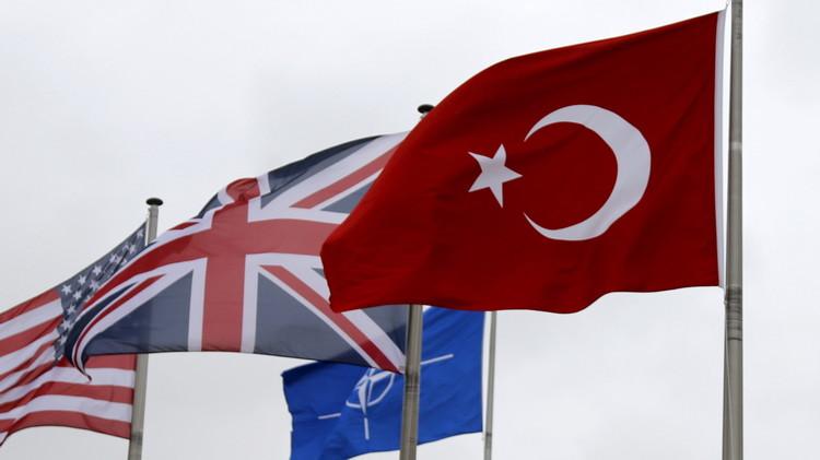 مصادر: تركيا مستعدة لقبول مرحلة انتقالية في سوريا مع بقاء الأسد لمدة 6 أشهر