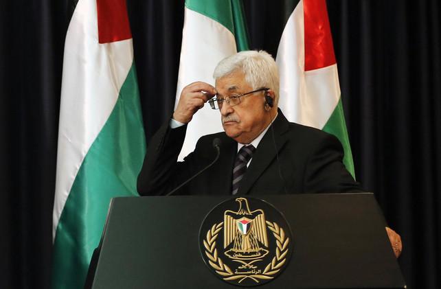 الرئيس الفلسطيني يوسّم عددا من الأدباء الروس نظير مساندتهم للقضية الفلسطينية