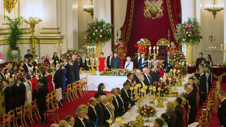 هل تعمد الأمير تشارلز تجاهل الرئيس الصيني؟