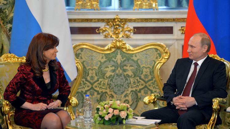 بوتين يبحث مع رئيسة الأرجنتين العلاقات الثنائية عبر دائرة تلفزيونية مغلقة