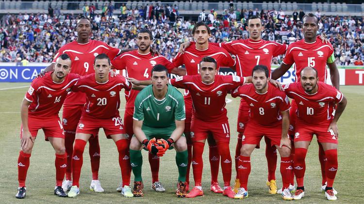 الفدائي الفلسطيني يلعب على أرضه ضد الأخضر السعودي