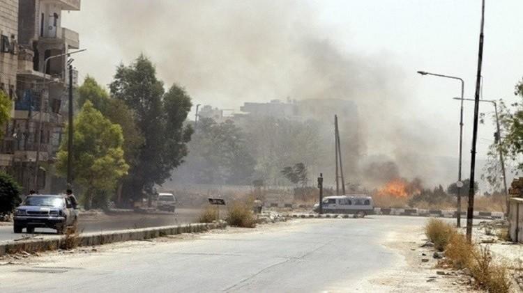 مصادر: معارك بين الجيش السوري وداعش تقطع طريق حلب ومقتل 45 مسلحا في حماة