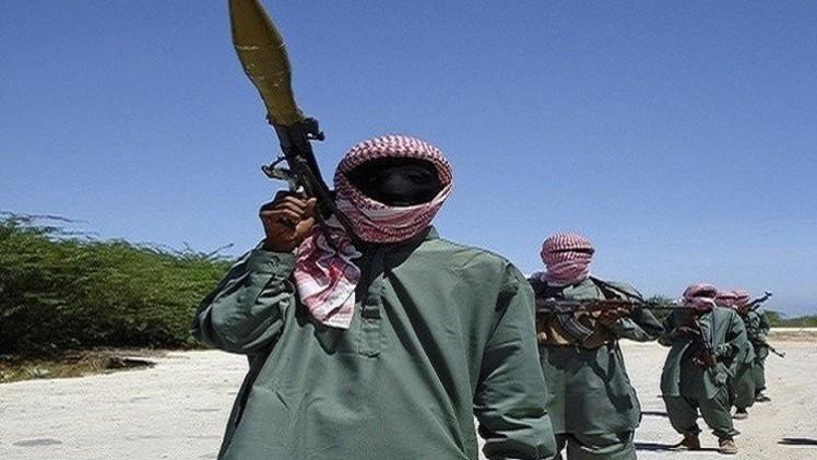 الصومال.. قائد مجموعة من حركة الشباب يبايع البغدادي