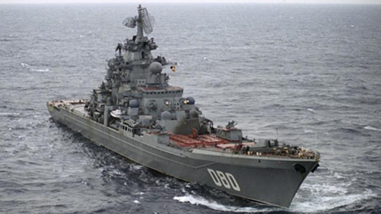 طراد نووي روسي يُزود بصواريخ فرط صوتية
