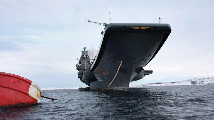 حاملة طائرات روسية تطلق صواريخ في المحيط الشمالي.. ومناورات بحرية قبالة سواحل القرم