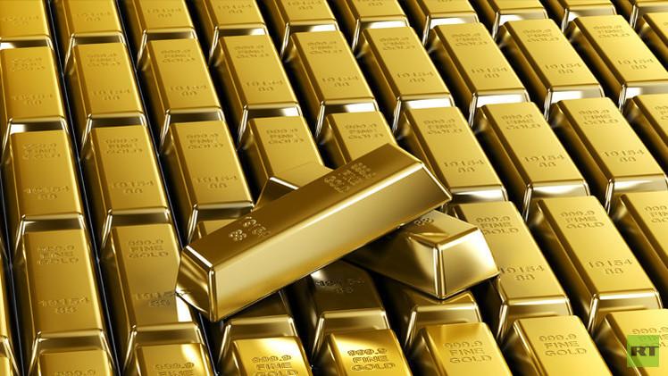 روسيا تواصل زيادة احتياطياتها من الذهب للشهر السابع