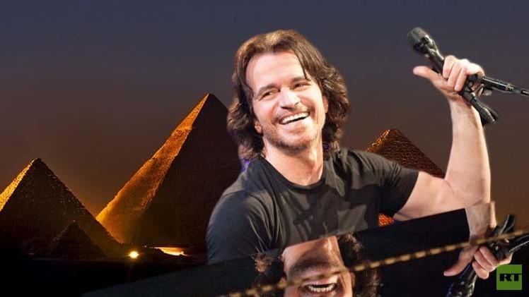 الموسيقار اليوناني ياني في القاهرة استعداداً لإحياء حفلين أمام الأهرامات