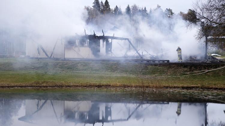 السويد  تخفي اللاجئين لحمايتهم من المتطرفين وحريق جديد في فنلندا