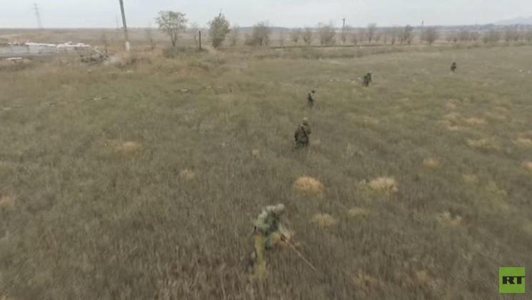 بالفيديو من أوكرانيا.. مشاهد خاصة لتطهير حقل من الألغام