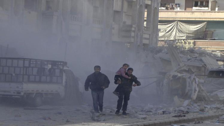 مسلحون يستهدفون مركزا للنازحين بقذائف الهاون في ريف حمص