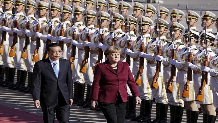 الأزمة السورية واللاجئين على أجندة ميركل في الصين