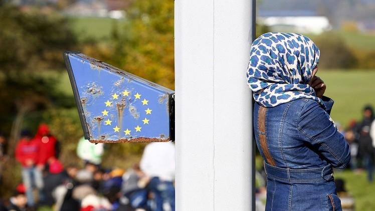 رئيس التشيك: اللاجئون السوريون أثرياء والحجاب سيحرمنا من جمال النساء